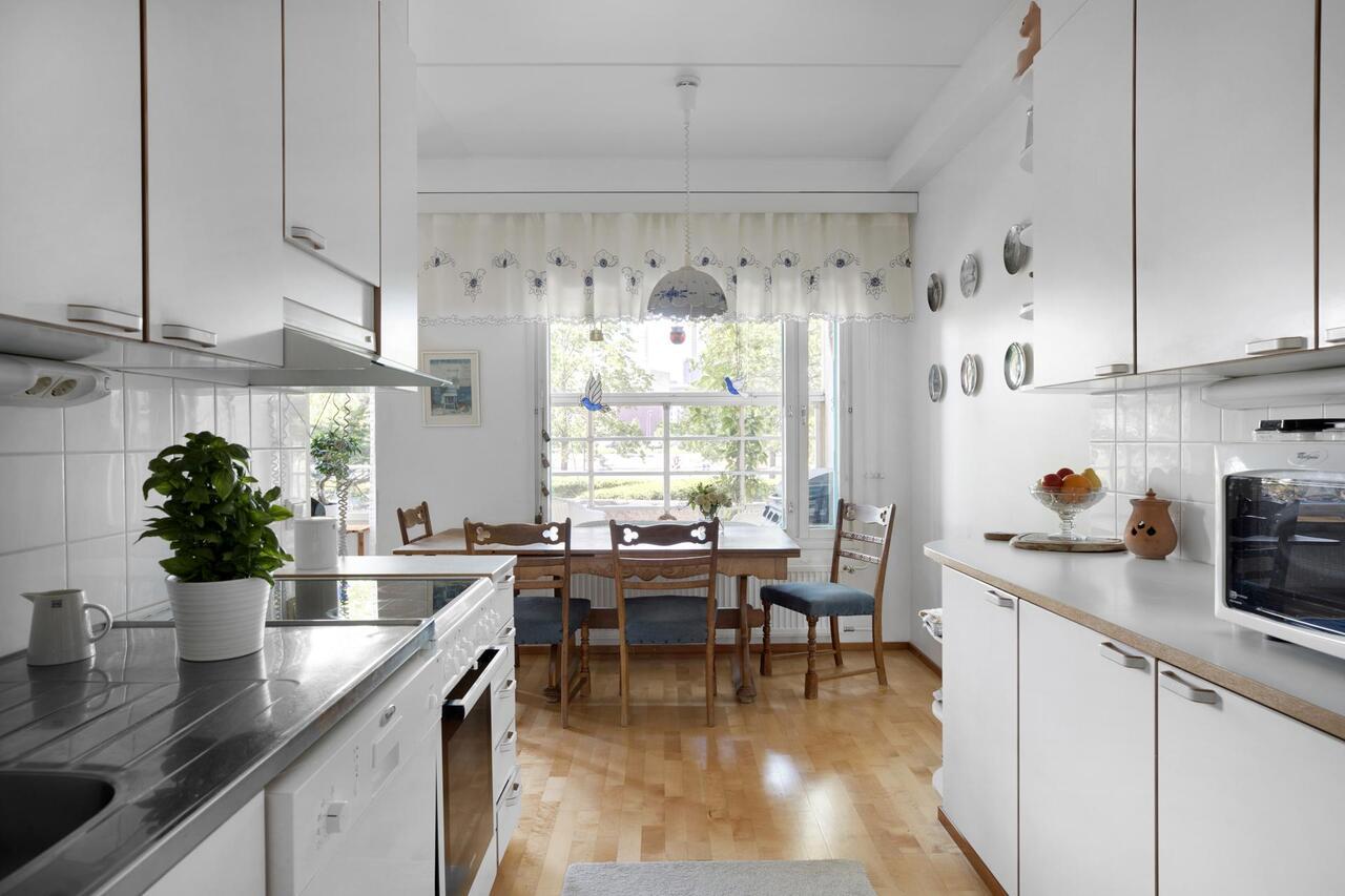 myydään asunto ruoholahti