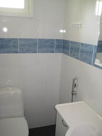 Erillinen WC -tila