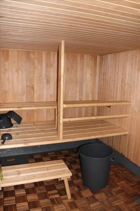 sauna talousrakennuksessa