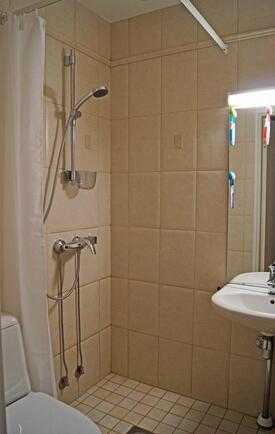 Erillinen wc / suihkuhuone