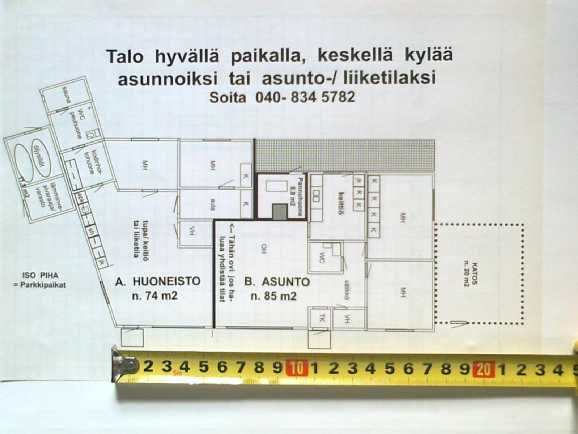 Talon pohjapiirros  74 m2 + 85 m2  = 159 m2