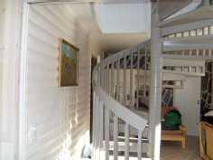 kuva portaikosta yläkertaan