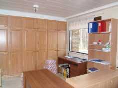 kuva työhuoneesta