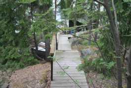 Portaat mökiltä saunalle
