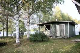 piha ja saunarakennus idästä