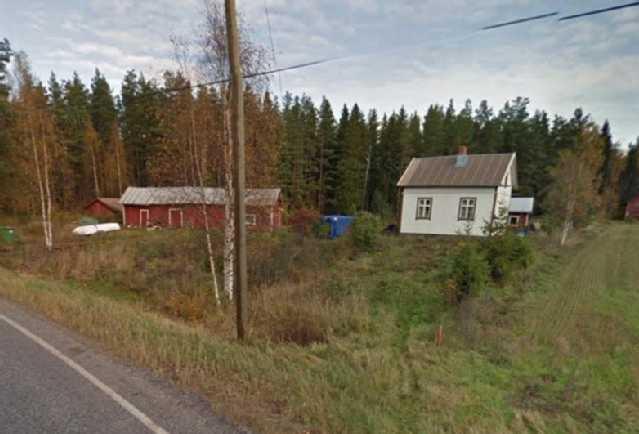 Talo Sydänmaantieltä katsottuna.