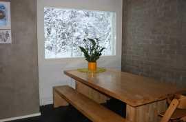 Keittiö, ruokailutila (pöytä 210cm)