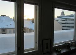Talvinen näkymä keittiön ikkunasta.