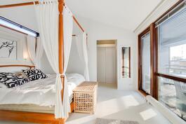 Master bedroom, valoa täälläkin!
