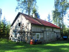 Sauna/varastorakennus, jossa myös kuivakäymälä.