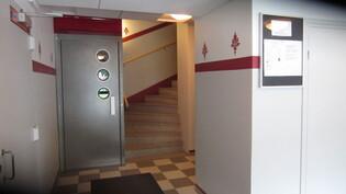 Siistit rappukäytävät ja asennettu hissit