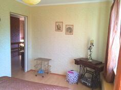 Kuva toisesta yläkerran makuuhuoneesta(3)