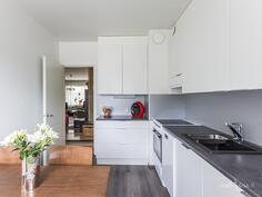 kokonaan uusittu keittiö 2016
