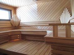 Kaunis, tilava sauna lekotteluun
