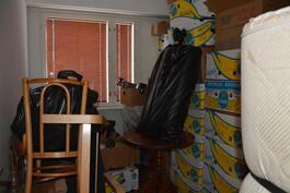 pienempi makuuhuone on tällä hetkellä varastona