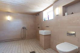 väljä kylpyhuone jossa poreamme valmius