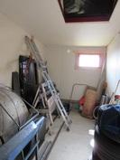 ... piharakennuksen ylisillä on lisää varastointitilaa!