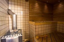 A:n ja B:n yhteinen sauna