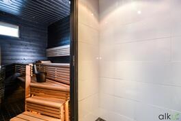 Tunnelmallinen sauna kruunaa kylpytilat!