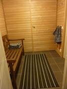 Kuva saunan pukuhuoneelta