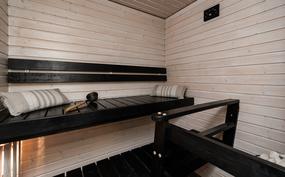 Oman saunan lämmössä on ihana rentoutua