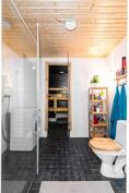 Kylpyhuone remontoitu hiljattain