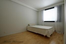 Makuuhuone 1+vaatehuone