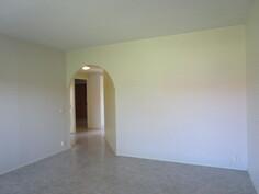 """Olohuoneen seinän takana kolmas """"makuuhuone"""""""