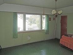 Yläkerran länsipään huone