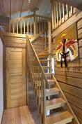Rantarakennuksessa portaat parvelle