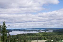 Riihivuoren kauniit järvimaisemat.