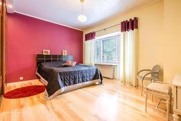 Makuuhuone 1, parveke 1
