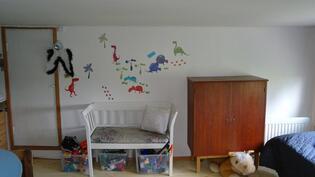 Yksi yläkerran makuuhuoneista...