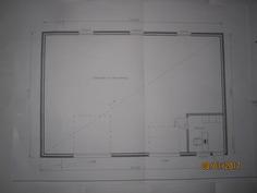 Hallin pohjapiirros-käytännössä sosiaali tilat toteutettu koko päädyn mitalle