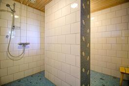 Taloyhtiön upeat saunatilat osakkaiden vapaassa käytössä