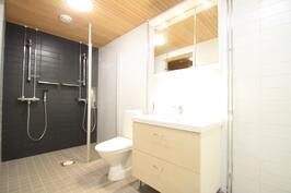kylpyhuone (huoneisto H39)