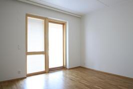 makuuhuone (huoneisto H39)