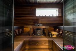 Sauna magnolia-puuta, pilarikiuas