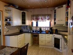 Kuva keittiöstä (2)