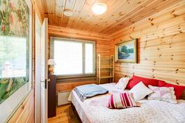 Rantasaunan makuuhuone varustettu myös omalla wc:llä
