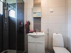 Studioas. kylpyhuone-Studiolgh badrum
