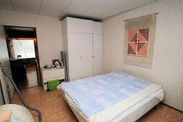 Makuuhuone 3:sta olohuoneeseen