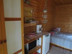 Keittiötarvikkeet saunakamarissa/Kitchen equipment
