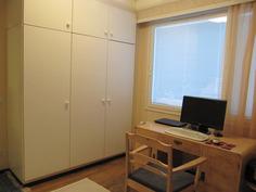 Yksi makuuhuone -toimisto työhuoneena
