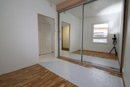 Kuva esittelyhuoneistosta A 6, samat materiaalit vielä vapaina olevissa huoneistoissa