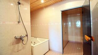 Turkkilainen sauna sekä poreamme ja pesutilat