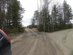 käänny tänne vasemmalle, oikealle Kallioisenpolku, suoraan voimalaitos