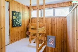 Yläkerran aula/portaikko