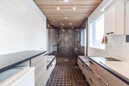 Edustava kylpyhuone