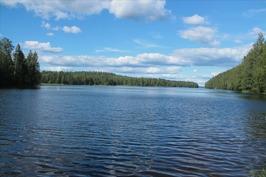 avauntuu järvelle